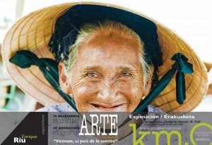 exposicion de eriu photo en el bar km0 libro con fotografias de donostia san sebastian