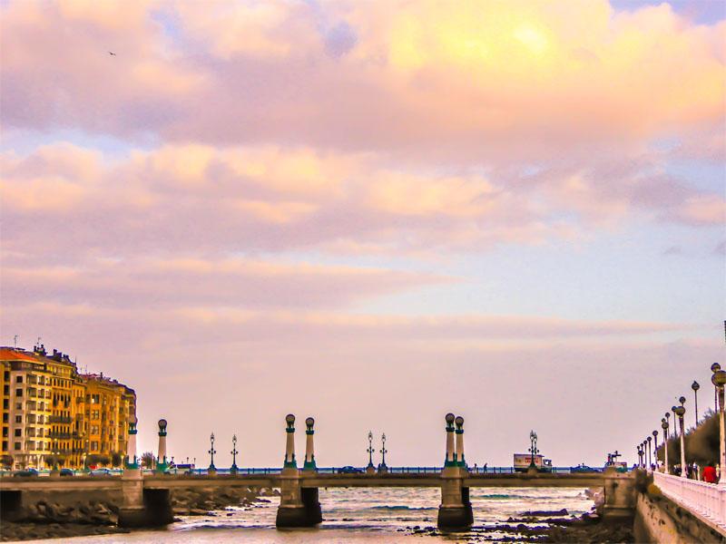 fotografia el puente del kursaal san sebastian donostia eriu photo